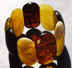 Vintage multicolour bracelet of Baltic Amber beads approx. 4,65 cm in size, old butterscotch colour, 53.6 grams