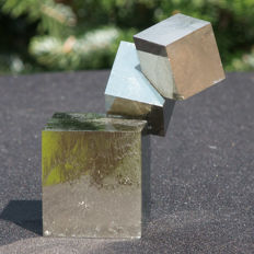 Top Twin Pyrite cubes - Very rare - 8.5 x 7 x 5.5 cm -  480 g