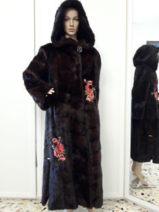 Mink fur coat – Long coat / swinger with hood – Made in Italy