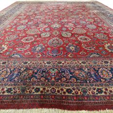 Signed, antique Tabriz - 341 x 256 cm - 'Eye-catcher - Large Persian carpet in beautiful condition' - With certificate.