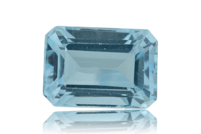 Blue Topaz  - 8.8 ct - No Reserve Price