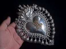 Antique very large size silver Catholic Church Sacred Heart Ex-Voto / votive offering - 19th century