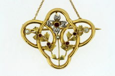 Art Nouveau 18k French yellow gold brooch pendant with seed pearls, diamonds ( 0.04 ct total) and rubies ( 0.08 ct total )