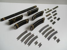 Minitrix N - 4902/03/04/05/06/07/08/09/12/14/16/22/24/26 - 84-piece package with rails and compensation parts.