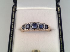 Yellow gold ring with natural sapphire and diamond, ring size 16/50
