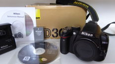 Nikon D3000 body in box