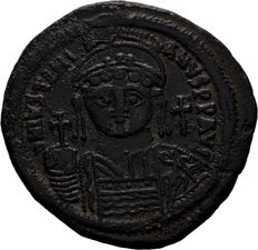 Byzantine Empire, Justinian I Large Follis. Constantinople.  AE 43mm., 22,47g.