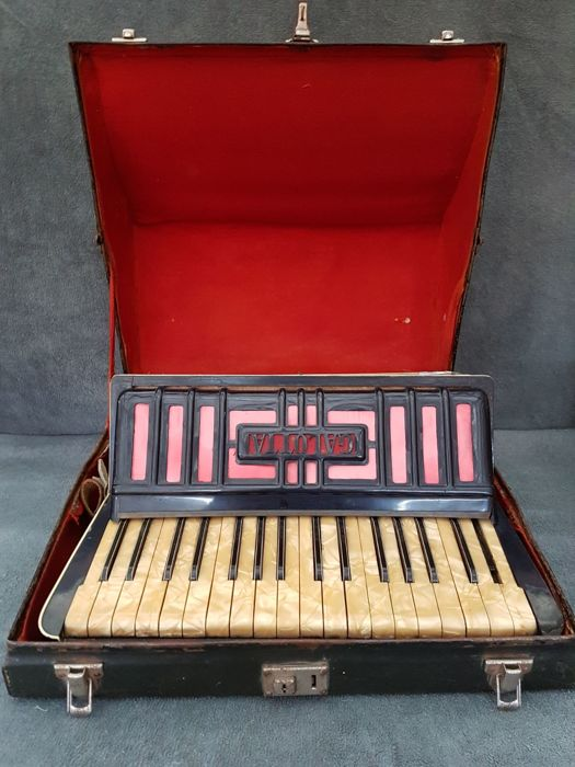 Very rare Galotta accordion 60-bass - 20th century