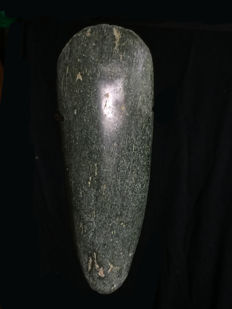 Ancient nephrit jade stone celt - HUMBOLDTBAY - North Papua (New-Guinea)