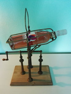 Decanting machine for wine - France - mid 20th century