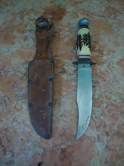 Hunting Knife with Leather Holder - Bone Handle