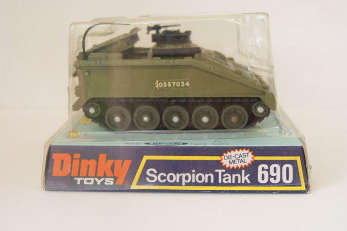 Dinky Toys - Scale 1/48 - Alvis Scorpion and Striker Tank no 690 and