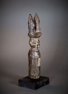 African Tribal YAKA SUKU Figure. Democratic Republic of the Congo.
