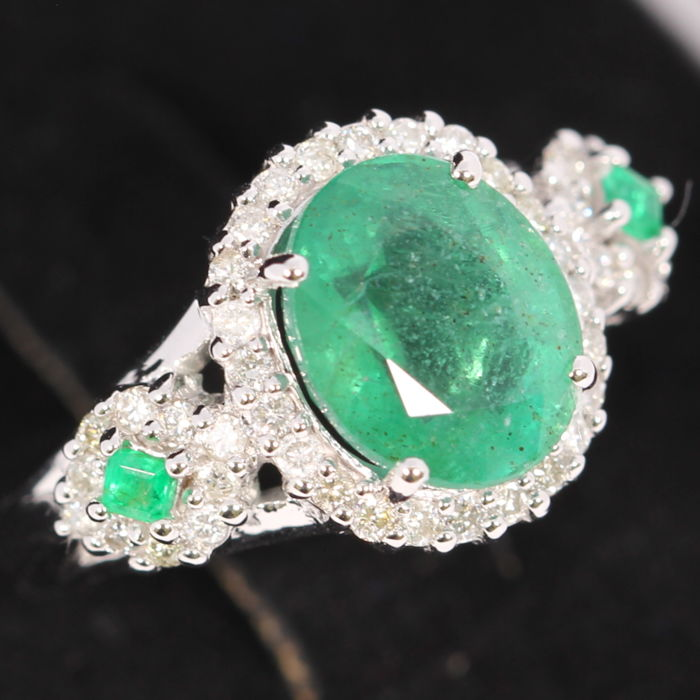 3.37Ct Natural Green Emerald 14K White Gold 6.01grams Diamond Ring Europe Size 52 (No Reserve)