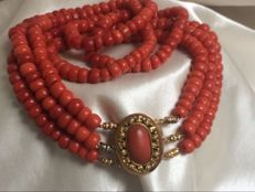 Gorgeous 100% Genuine Antique Precious Corals. Necklace.  121 Grams.    Rare, beautiful warm colour Orange & Red, three strands.   Antique Gold Clasp