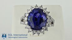 7.17 ct natural tanzanite and diamond ring 14 kt gold