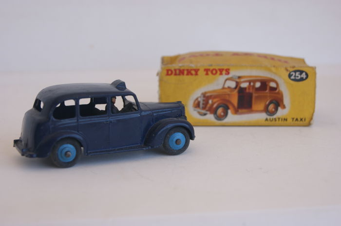 Dinky Toys - Scale 1/43 - Austin Taxi no.40H/254