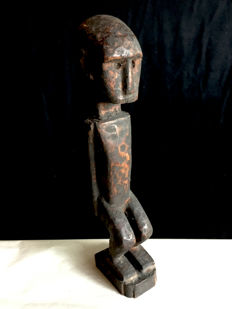 Interesting Ata'oro amulet figure - ATA'ORO - Indonesia