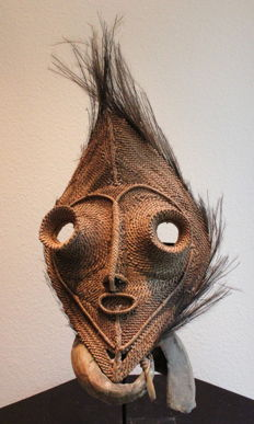 Very nice example of a woven mask - Talipun with tubular eyes - Papua New Guinea