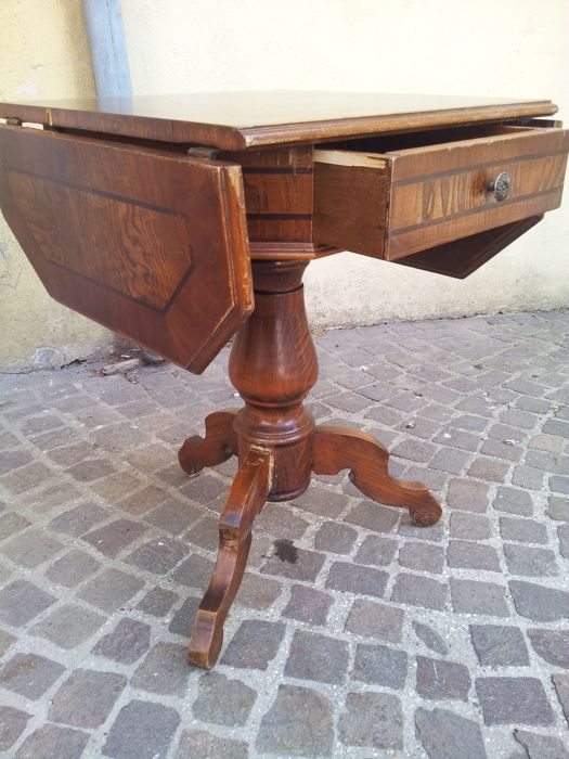 Coffee table with drop-leaf, early 20th century