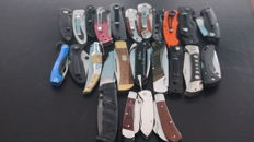 25 hunting knives - used - in good condition (see 36 photos)