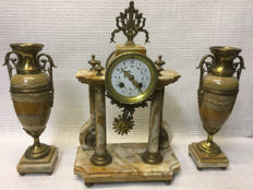 Marble pendulum clock set - France - around the end of 1800