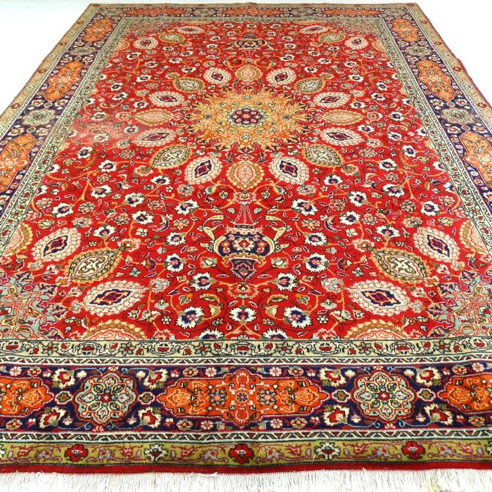 "Tabriz - 353 x 251 cm - ""Eye-catcher - Large Persian rug in beautiful condition"" - With certificate."