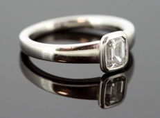Boodle & Dunthorne - Platinum Ladies Ring with Diamond ( 0.50 CT ) Circa.1980's