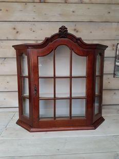 Beautiful wooden hanging display cabinet - 20th century
