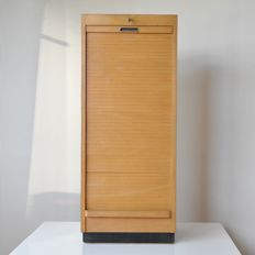 Ekawerk Lippe – high wooden filing cabinet with nine sliding drawers and a shutter with lock