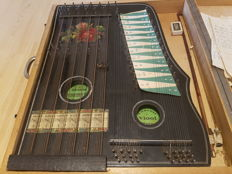 Violin harp / Table zither