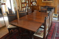 Neo-Gothic dining room set in mahogany and walnut wood - complete, 13 parts - 19th century