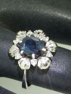 Sapphire ring, diamonds and 18 kt white gold - size 50