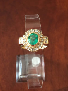 14 kt yellow gold and emerald  and diamond  ring - no reserve