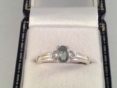 Vintage white gold ring with natural spinel and diamond, ring size 17.25/54