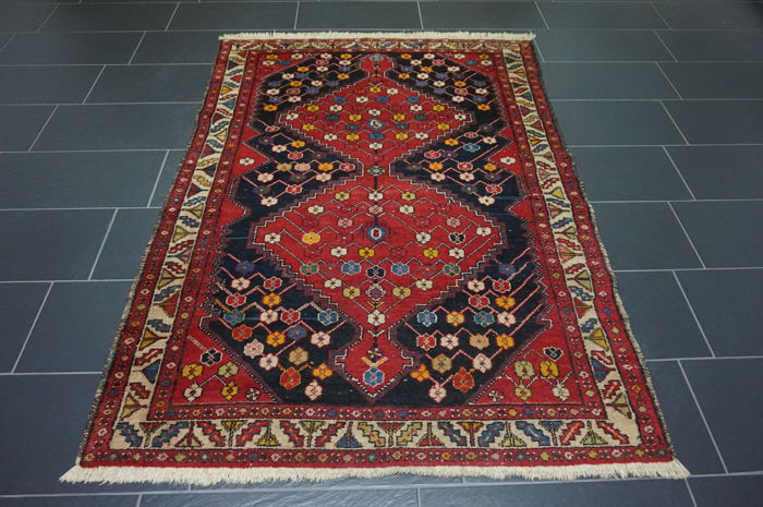 Old high-quality Persian carpet, Hamadan, made in Iran, 140 x 200 cm