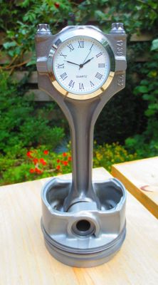 Automobilia V8 engine block Piston Desk Clock, Top Gear Style