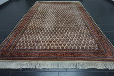 Magnificent handwoven Oriental carpet Indo Qom Nain 200 x 300cm, made in India