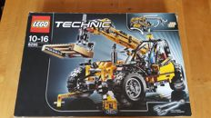 Lego Technic - 8295 - Telescopic forklift