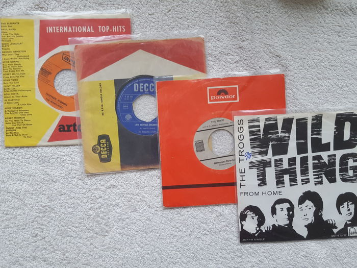 Lot of 57 vinyl singles from the Sixties with a.o. special items Empty Heart (Rolling Stones), Thirteen Women (The Renegades), Horse and Director (The Toxic)