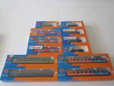 Roco H0 - 4218B/4218B/4232B/4387A/46275A/46012/4303B/4314B - 12 x various wagons of the NS