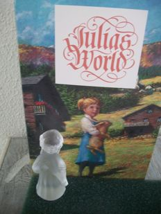 Swarovski - Julia's World - Julia with Lute.