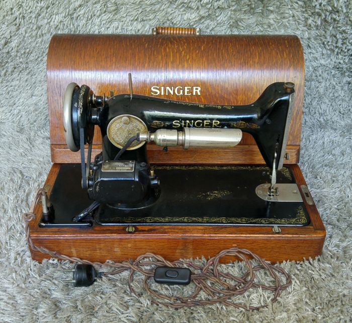 Singer 66K - Antique Electric Sewing Machine - 1928 - Scotland