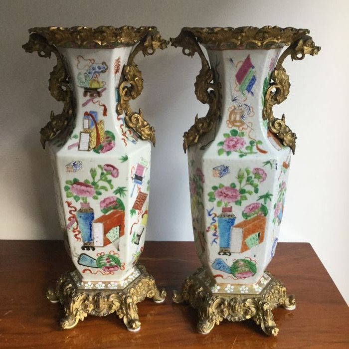 Pair of chinoiserie vases - China - circa 1900