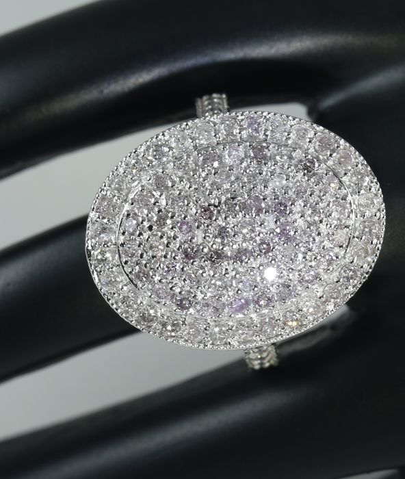 Very Exclusive White Gold Diamond Ring - 1.98 ct.