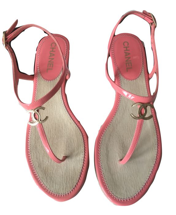 Chanel - Thong sandals