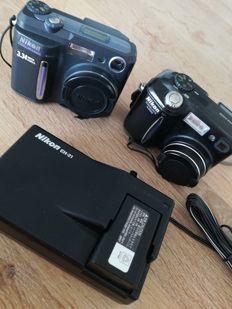 LOT 2X NIKON DIGITAL CAMS COOLPIX 880 & 4300