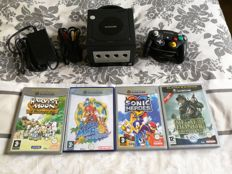 Nintendo Gamecube with controller and 4 great games like Mario and Sonic