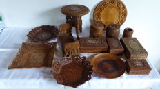 Lot of 14 parts of India wood carving - wooden boxes - trays - side table - tobacco jars - bookends - beautifully carved and inlaid with bone and brass
