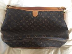 Louis - Vuitton - Delightful